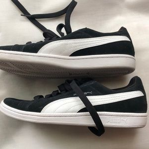 Puma Shoes - Puma Sneakers Suede Women's Size 8